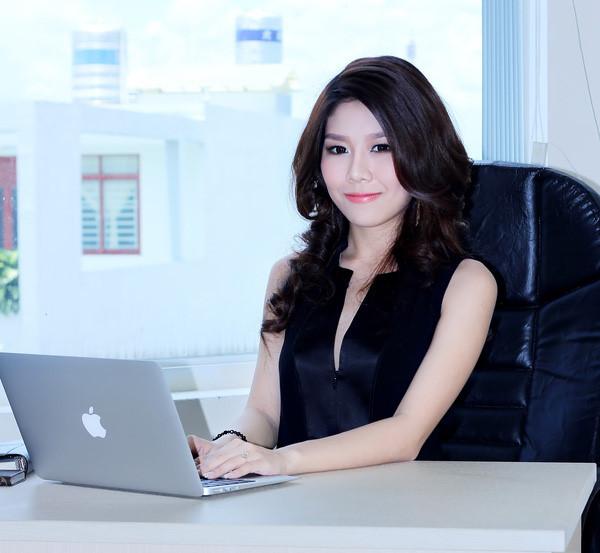 Chụp ảnh chân dung doanh nhân sang trọng và chuyên nghiệp